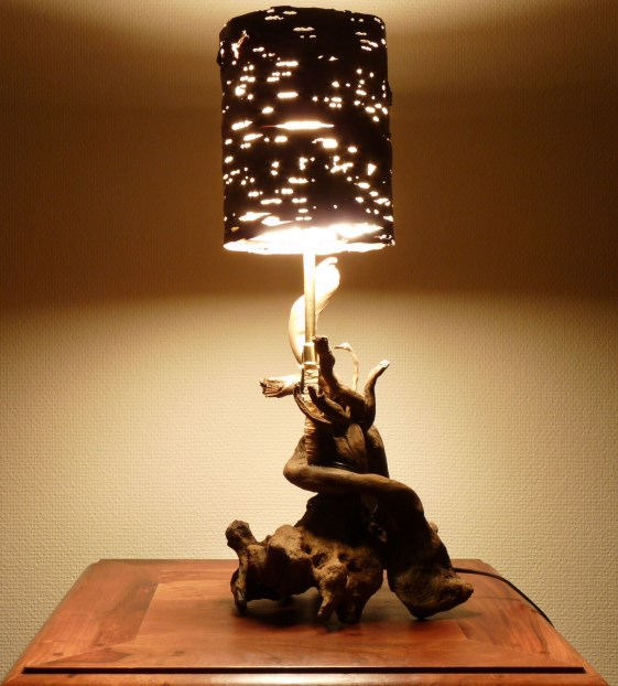 Lampe en bois flotté N°1